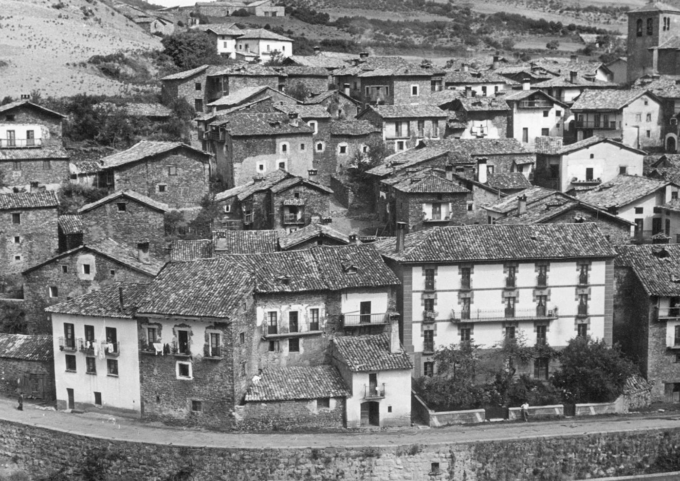 Foto antigua Burgui.png